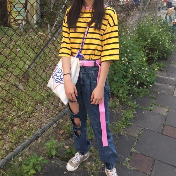 黃色微笑條紋短袖T恤
