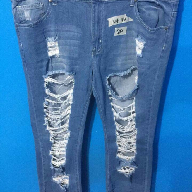 TATTERED SKINNY JEANS FOR SALE