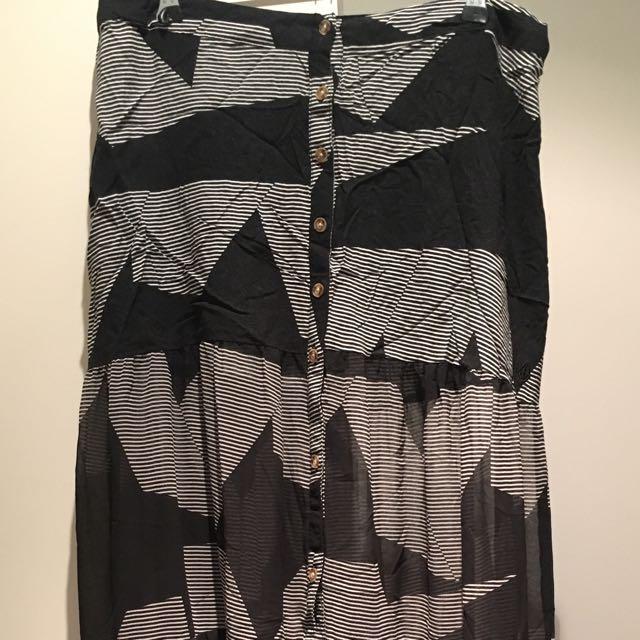 Volcom Maxi Skirt Size M