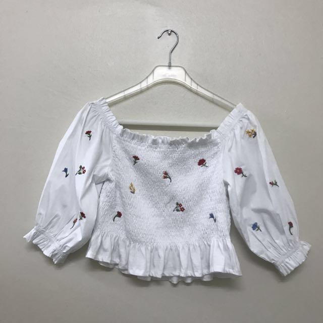 07b850ae1c5d63 ZARA TRAFALUC Embroidered Detail Off Shoulder Top