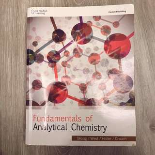 二手書 | Fundamentals of analytical chemistry