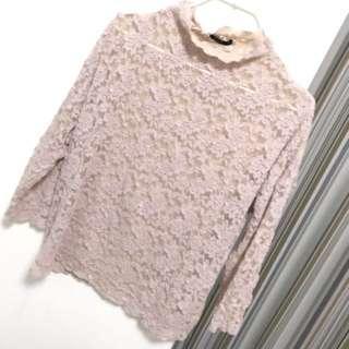 粉膚色蕾絲上衣