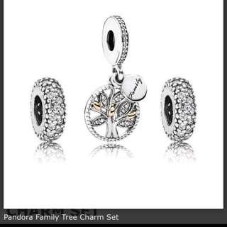 Pandora family tree charm