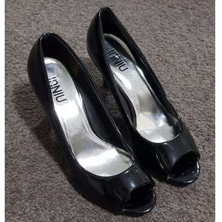InNiu - Black Kitten Heel