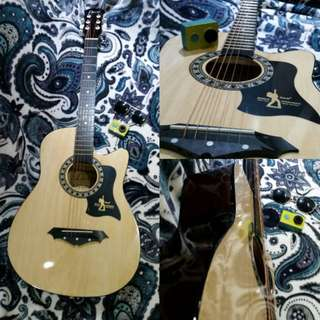 Davis Acoustic guitar (natural)