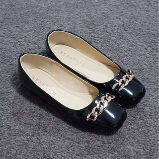 Yesstyle - Black flats with chains