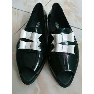 Sepatu Melisa X Karl