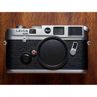 Leica M6 0.72 Classic Rooster rangefinder film camera body