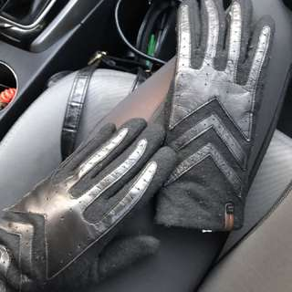Rudsak gloves with leather accent