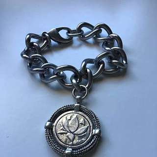 Lotus Mendes Bracelet