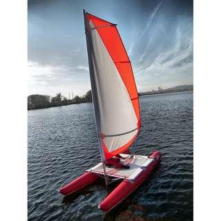Ducky 13 充氣雙體帆船