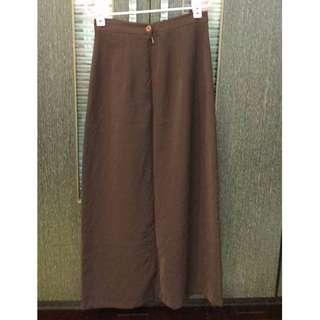 全新) Chianhuey 咖啡色素面長裙