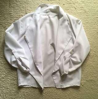 White double-collar outerwear