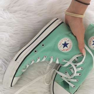 Authentic all star converse shoes