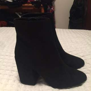 Black Pulp Boots - Size 9