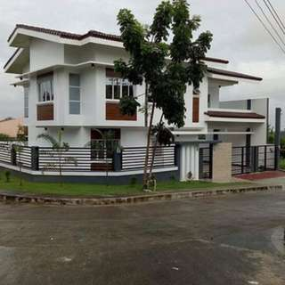 2 stories Single detached house and lot for sale
