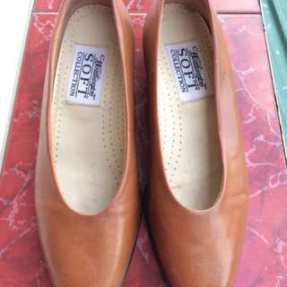 WORTHINGTON Soft Collection ~VINTAGE Tan Leather Loafers Sz 6