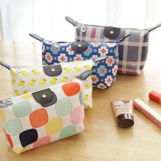 015 (Motif ) Pouch Tas Kosmetik Bag Make Up Body Lotion Aksesoris 015