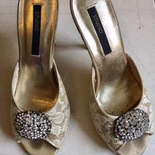 Brokat heels
