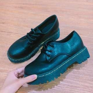英倫風厚底皮鞋
