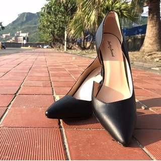 zalora副牌尖頭皮質高跟鞋/黑色波浪開口款24.5/25號