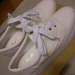 白色厚底鞋 鬆糕厚底鞋