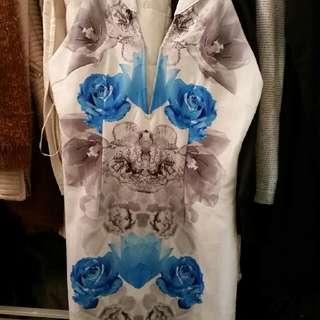 Deep V Low Cut Dress Printed Blue Grey White Foral Brand New