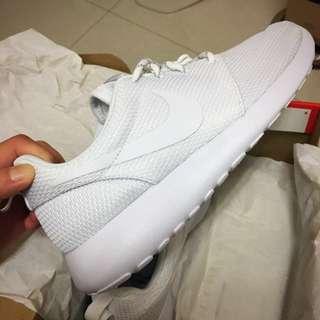 Nike Roshe One 白24