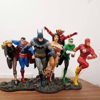 DC JLA full set statue