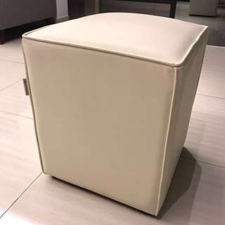 Dressing Stool (UP:RM159)