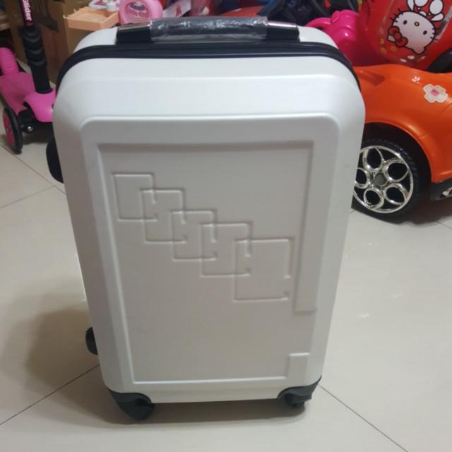 降價賣8成新旅行箱 20吋便宜賣出清商品高雄自取