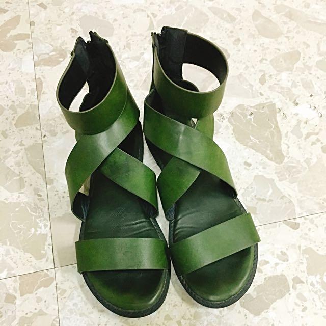 軍綠羅馬涼鞋