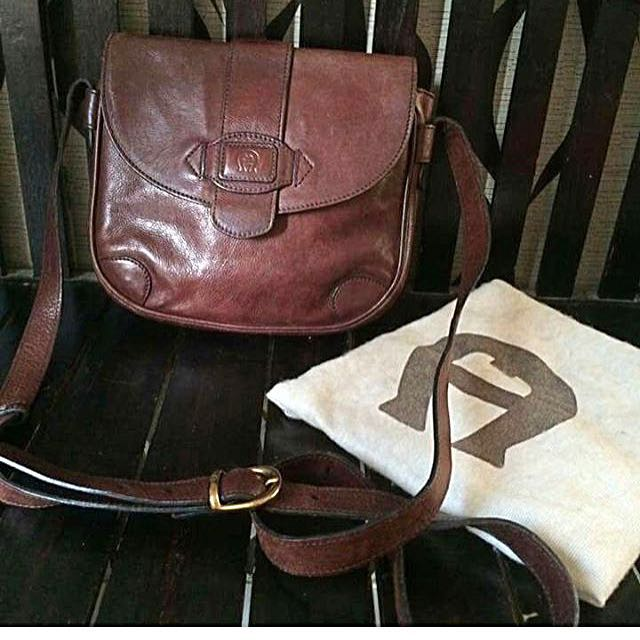 Aigner Authentic Slingbag Leather Repriced