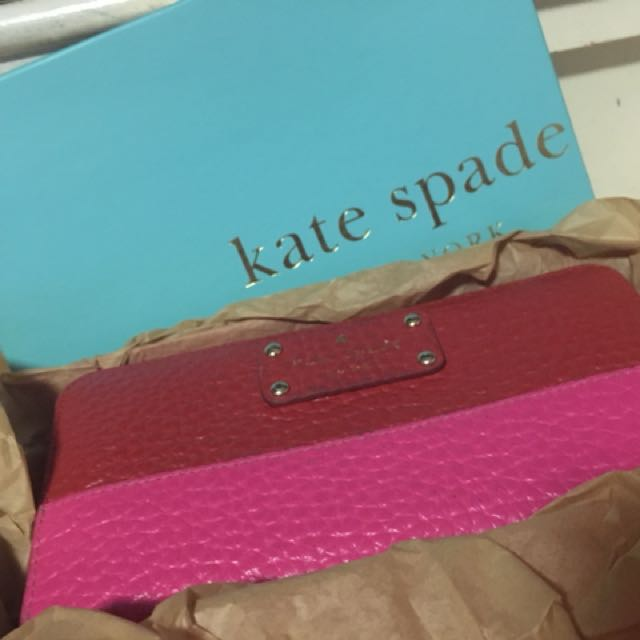 Authentic Kate Spade Wallet - selling low