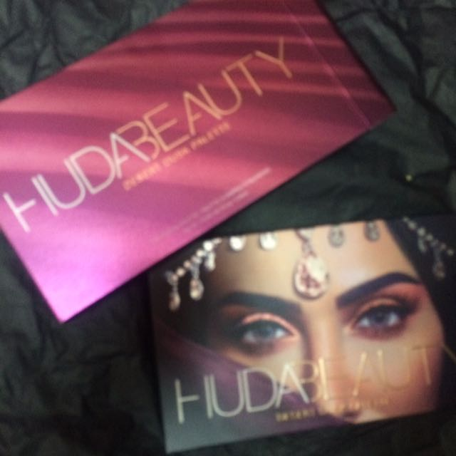 Authentic Ready Stock Huda Beauty Desert Dusk Pallete