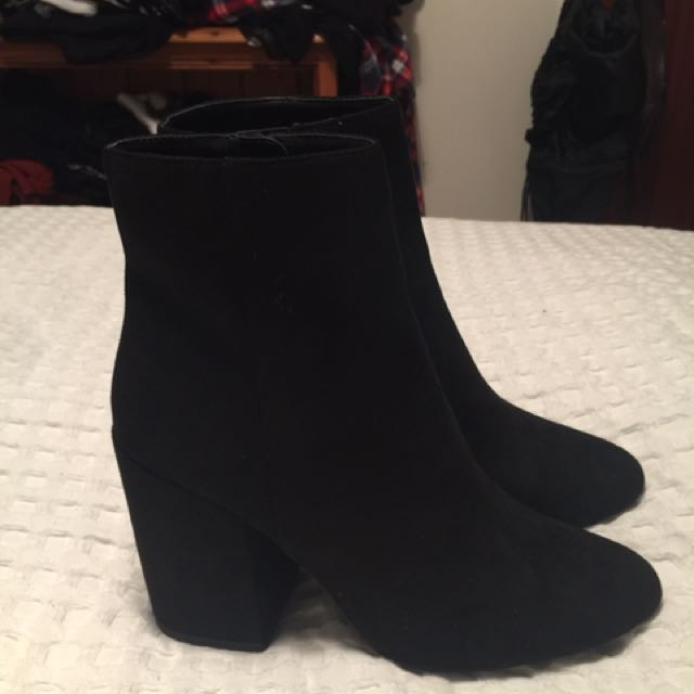 Black Pulp Boots - Size 9