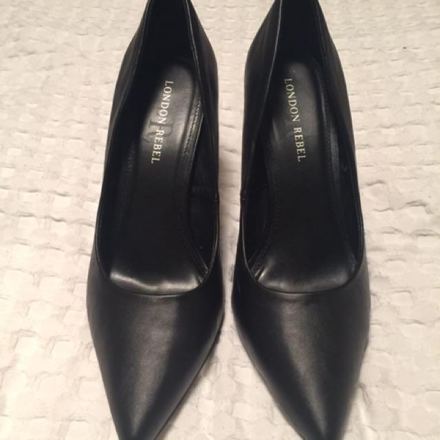 Black Stiletto Heels - Size 9
