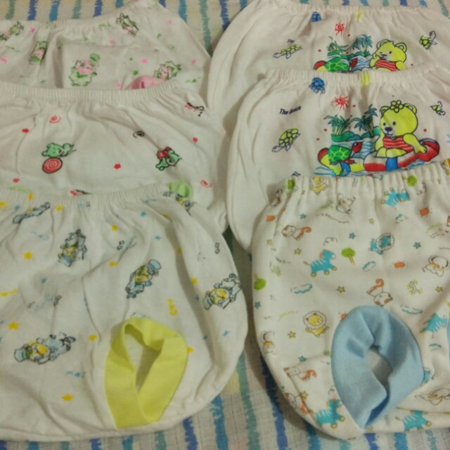 Celana pendek bayi newborn