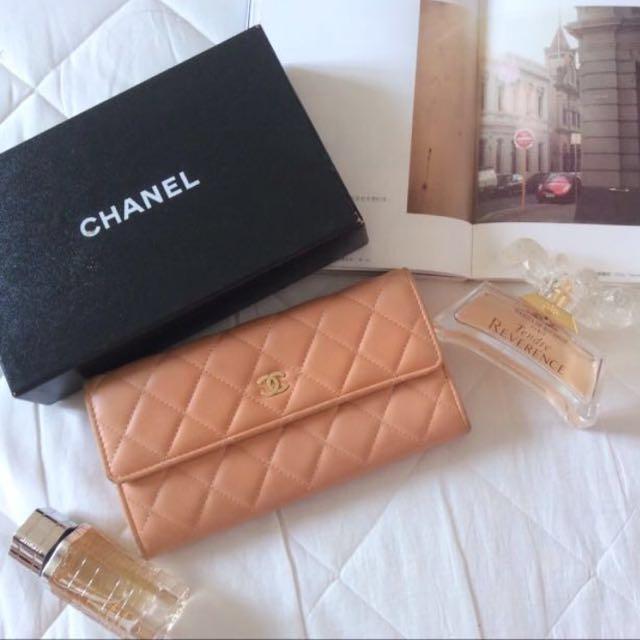 Chanel 裸粉色長夾