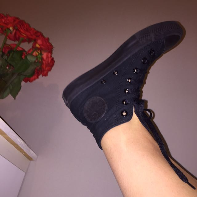 CONVERSE Black High-top Sneaker