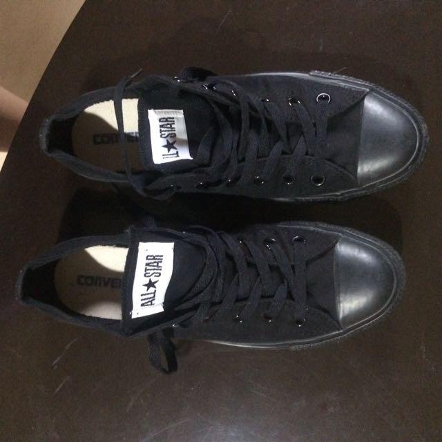 Converse Unisex Black Canvas shoes