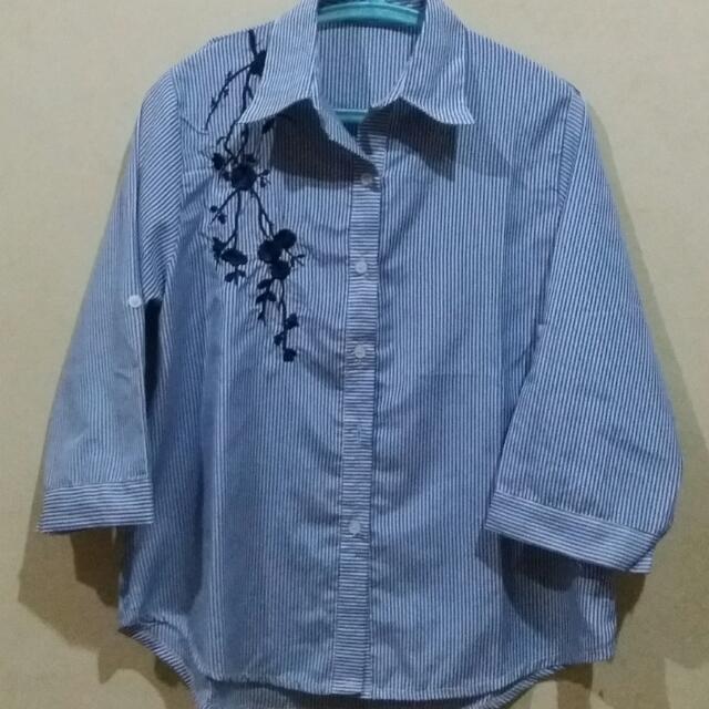 Embroidery Flower Stripe Shirt