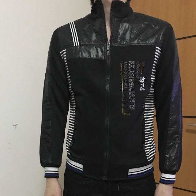 Jaket hitam kombinasi (98% kondisi)
