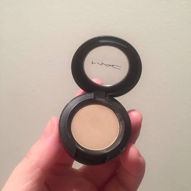 Mac Omega Eyeshadow Health Beauty Makeup On Carousell