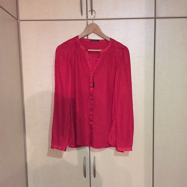 acc1acdc0cadc Massimo Dutti red silk blouse. Size 36.