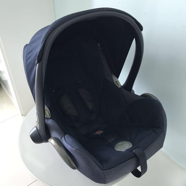 Maxi cosi cabriofix infant car seat - Navy Blue, Babies & Kids ...