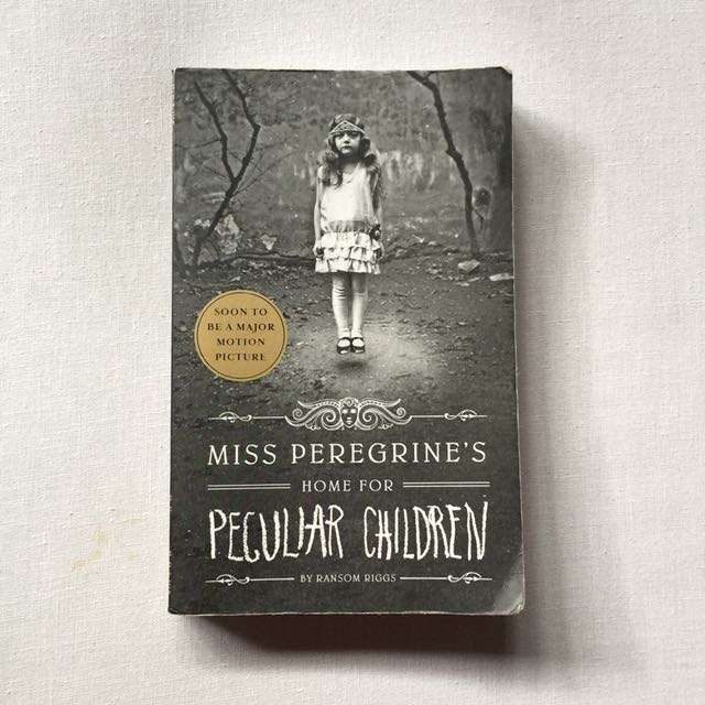 Miss Peregrine's Home for Peculiar Childern by Ransom Riggs - English Version