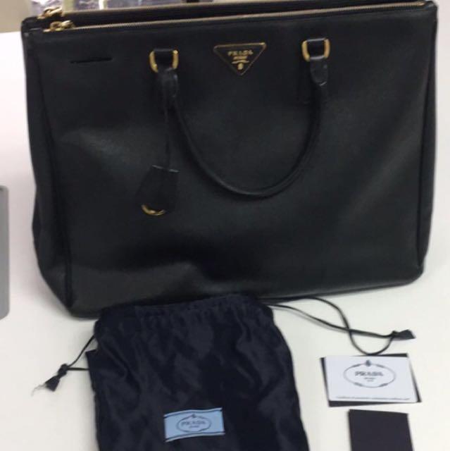 18e828686eb1 Prada BN1802 Saffiano Lux Large, Women's Fashion, Bags & Wallets on ...