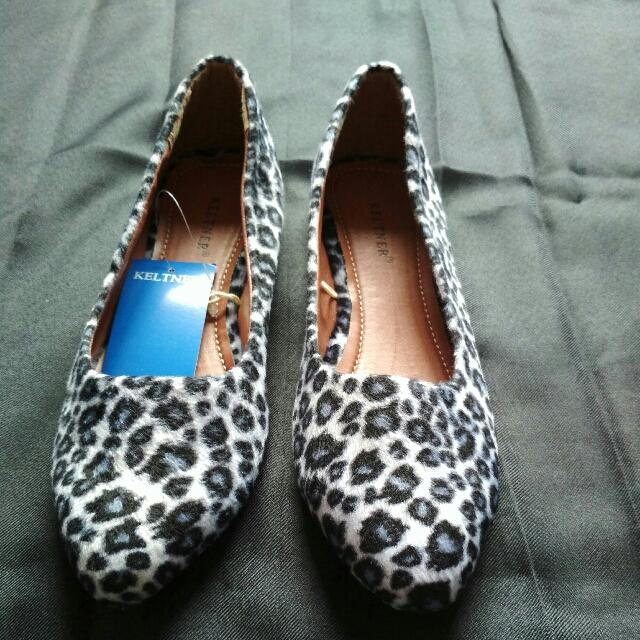 Sepatu Keltner