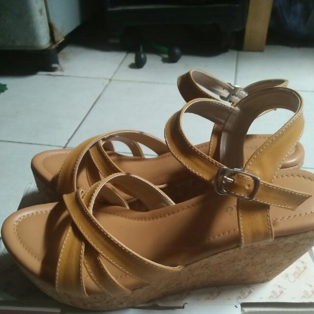 Sepatu Sandal/wedges